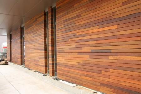 Пример отделки деревянным сайдингом