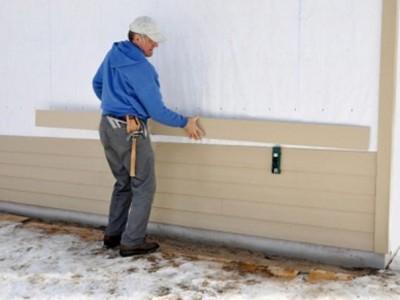 Монтаж сайдинга на стену дома