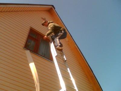 Пример отделки фронтона дома сайдингом