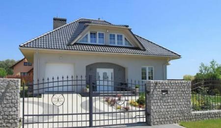 Фасад дома в классическом цветовом оформлении