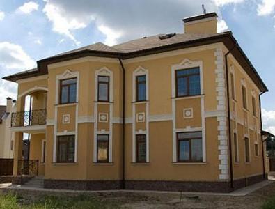 Пример мокрой отделки фасада здания