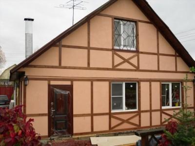 Имитация стиля фахверк в интерьере фасада дома