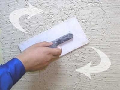 Пример нанесение шпаклевки на стену дома