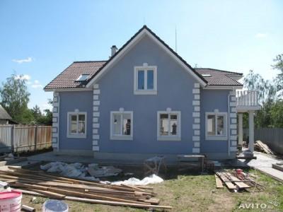 Пример отделки дома фасадной штукатуркой