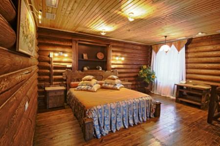 Отделка блок-хауса в интерьере спальни