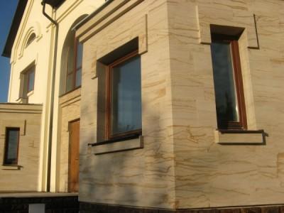 Пример отделки фасада дома гибкой керамикой