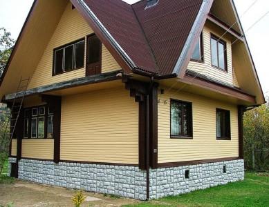 Отделка фасад сайдингом, цоколь - искусственный камень
