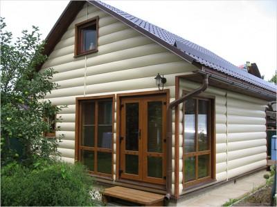 Каркасный дом, обшитый блок-хаусом