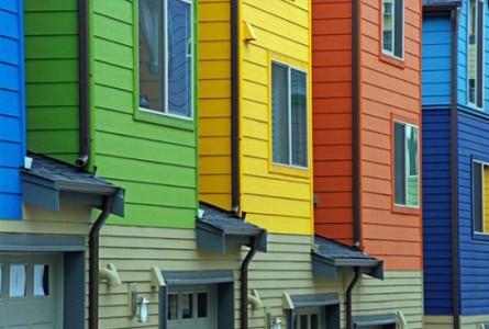 Фасадные краски в коттеджном городке
