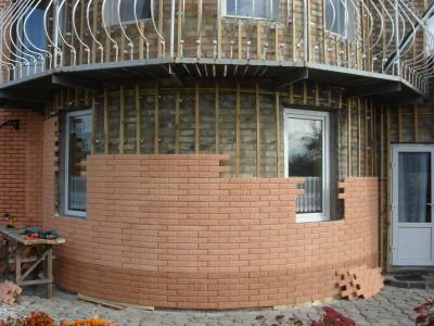 Установка полифисада на дом