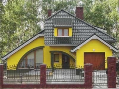 Оригинальный фасад с декоративной акриловой штукатуркой