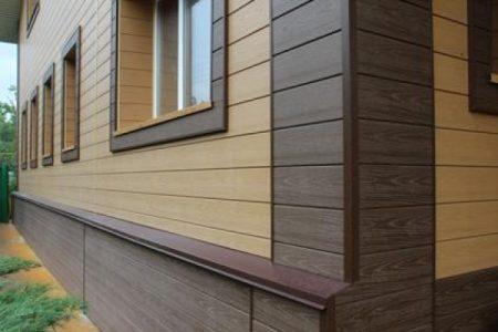 Пример отделки дома комбинированными панелями