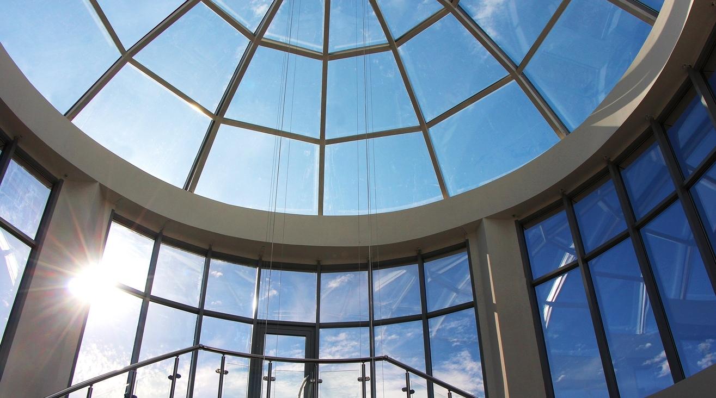 Светопрозрачные конструкции для оформления фасадов